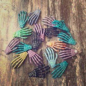 BUNDLE OF GLITTERED SKELETON HANDS HALLOWEEN CRAFT